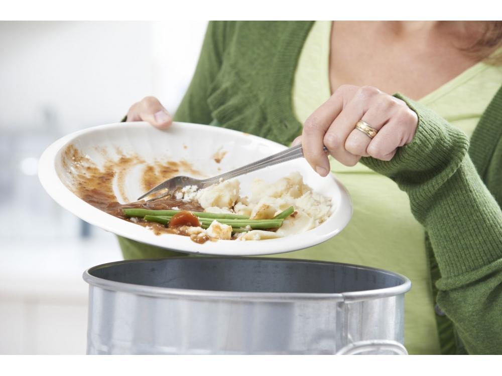 Keukenafval en afval met dierlijke bijproducten gekoeld opslaan?
